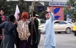 Taliban'ın kontrolü ele aldığı Kabil sokakları görüntülendi