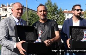 Haluk Levent, Çınarcık'ta çocuk parkı açılışına katıldı